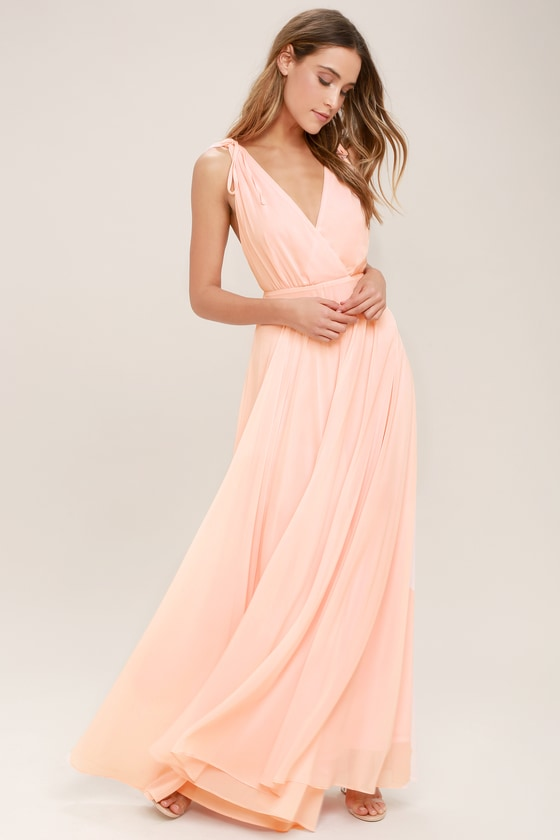Robe maxi dos nu rose blush Dance the Night Away en 2020.