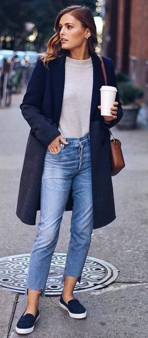 Winter #Outfits / Navy Blue Coat - Crop Jeans.