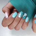 Dessins d'ongles turquoise
